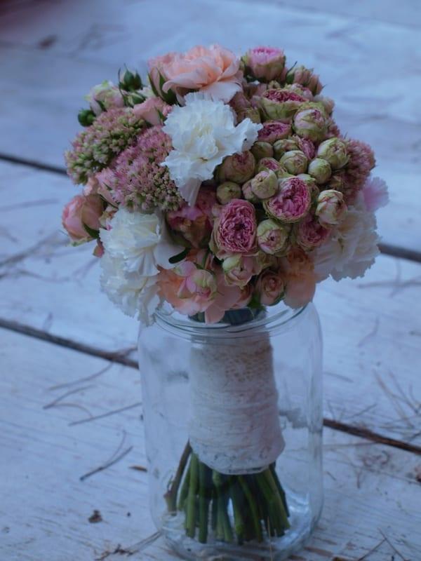 Ramos de novia | Flores en el columpio