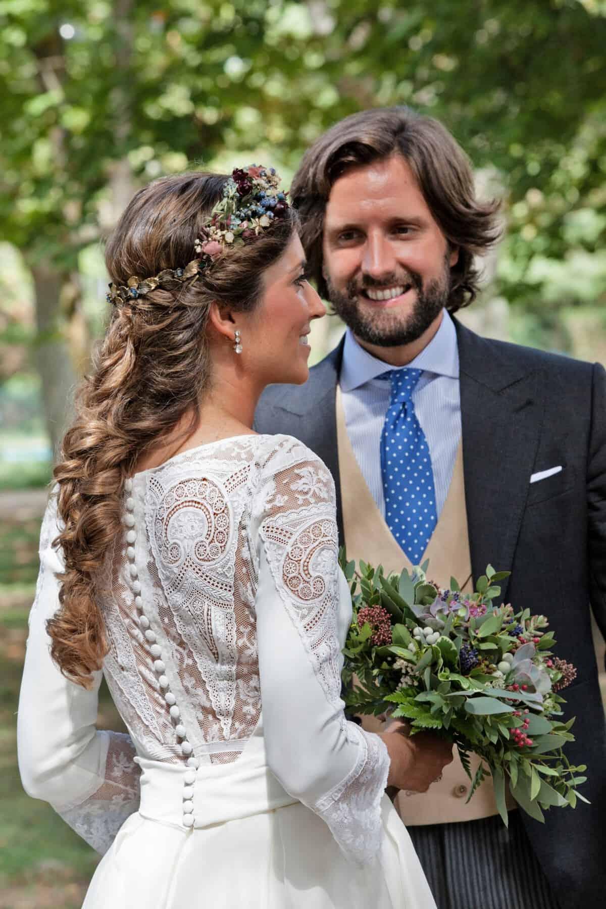 638734f8a ¡Así que nos os hacemos esperar más y os dejamos disfrutar de esta boda tan  ideal! La novia