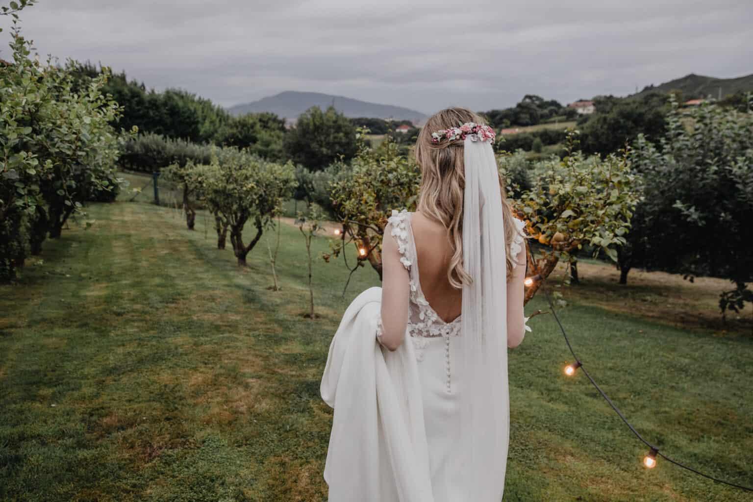 072db64e10 La novia del vestido de petalos - Las bodas de Tatín